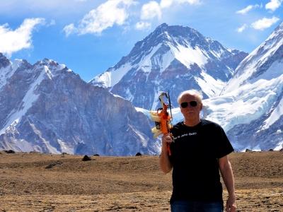 Ted-with-Drone-at-Kalapatthar-samsara-trekking