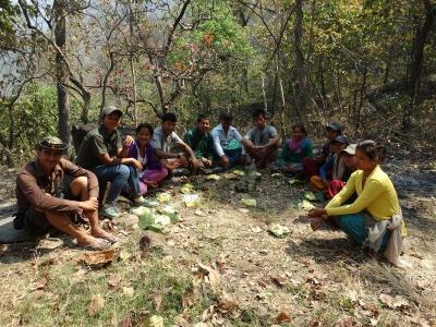 Bishnu-with-Conservation-Volunteer